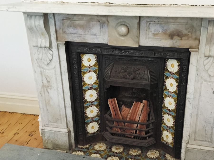 Victorian antique fireplace before restoration